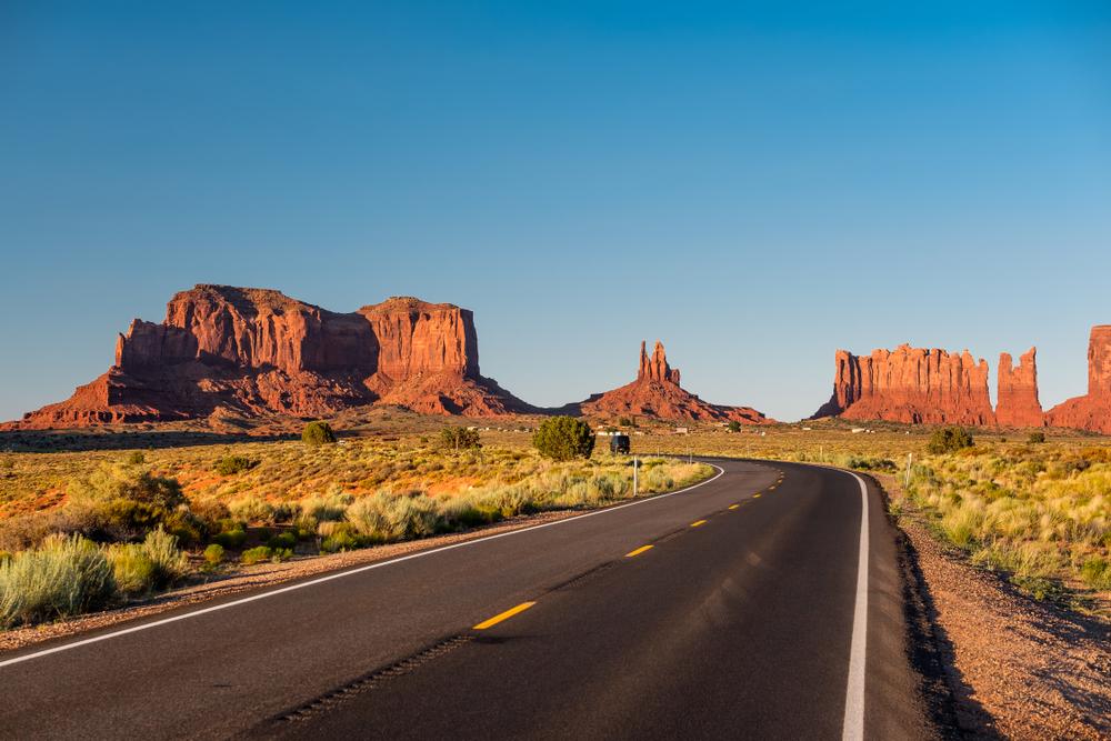 scenic road of monument valley arizona